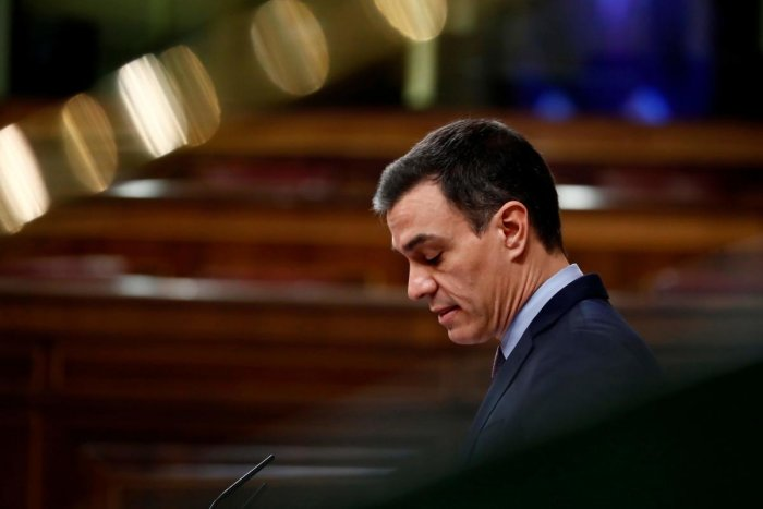 Spain PM warns 'very hard days ahead' as virus toll tops 1,300