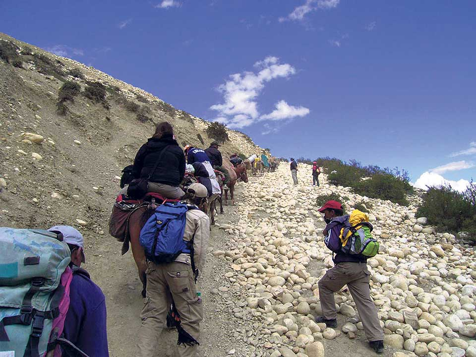 Over thousand tourists, guides rescued during weeklong lockdown