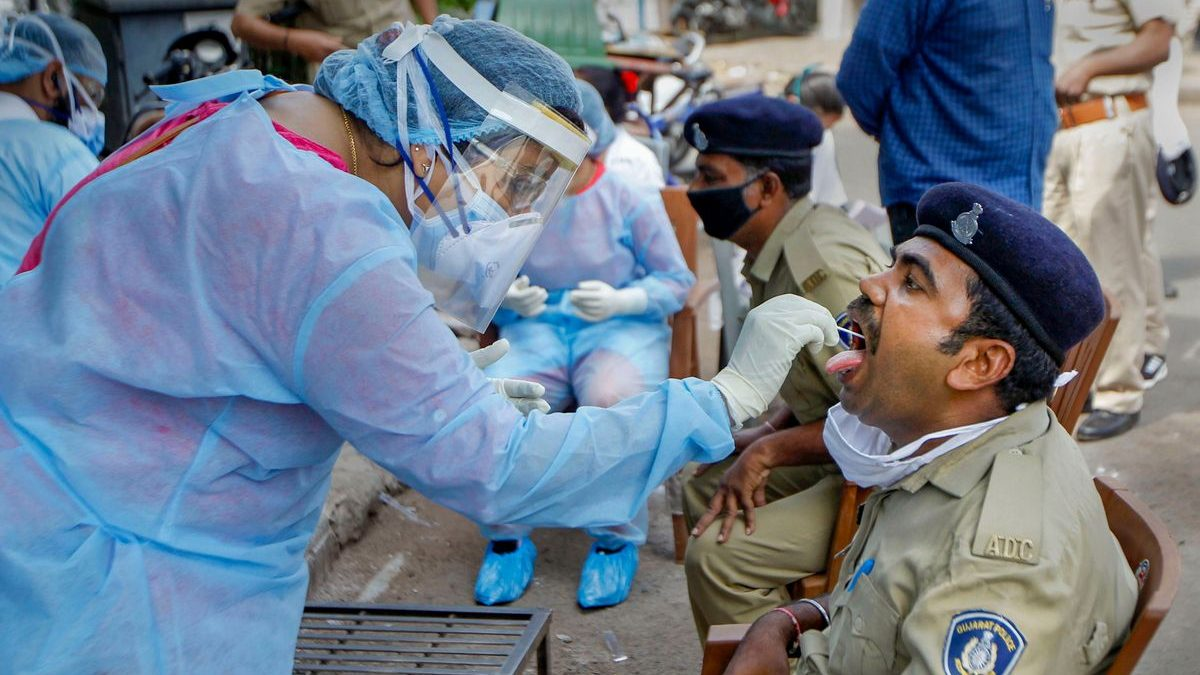 India's COVID-19 tally reaches 35,043, death toll at 1,147